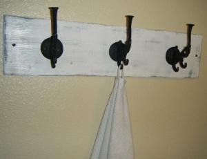DIY distressed towel holder