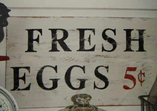 DIY fresh eggs sign