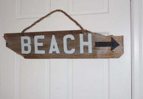 DIY beach sign